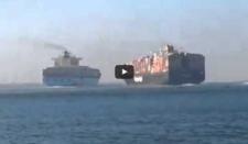 Espectacular colisión entre dos buques de carga